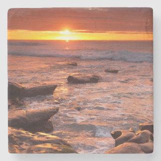 Dessous-de-verre En Pierre Piscines de marée au coucher du soleil, la