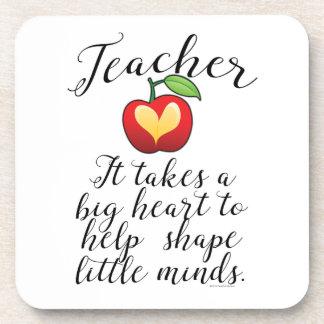 Dessous-de-verre Grand coeur à aider à former le petit professeur