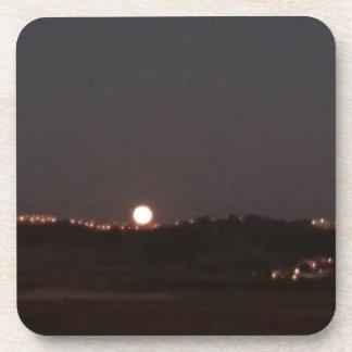 Dessous-de-verre Lever de la lune sur les collines