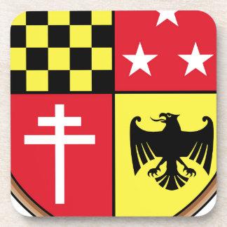Dessous-de-verre Manteau des étoiles de croix d'Eagle de bras