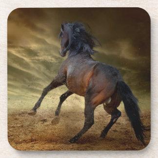 Dessous-de-verre Mustang sauvage s'opposant