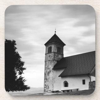 Dessous-de-verre Nuage de soirée au-dessus d'église
