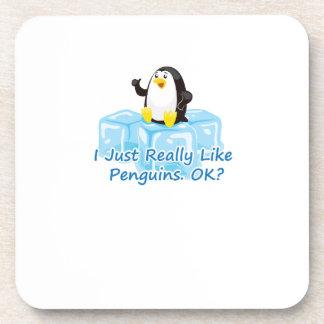 Dessous-de-verre Pingouin drôle pour des femmes d'hommes de filles
