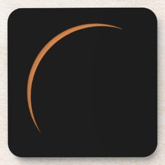 Dessous-de-verre Près de l'éclipse solaire partielle maximum