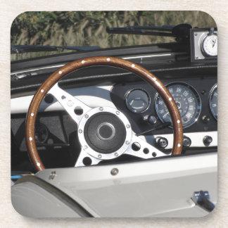Dessous-de-verre Tableau de bord d'une vieille voiture classique