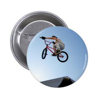 Dessus de Tableau de cascade de vélo de BMX Badge