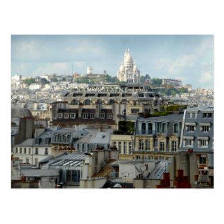 Dessus de toit de Paris et carte postale de Sacre