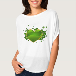 Dessus irlandais de l'Irlande de Celtic de coeurs T-shirt