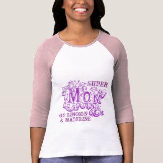 Dessus pourpre décoratif de noms d'enfants de t-shirt