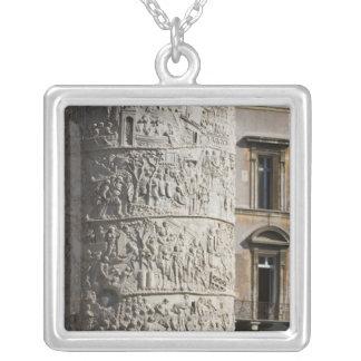 détail de la colonne de Trajan avec des bâtiments Pendentif Carré