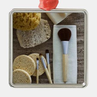 Détail de spa des éponges et des brosses ornement carré argenté