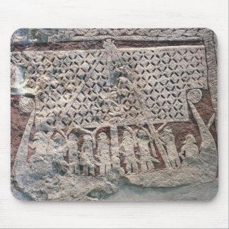 Détail d'une pierre d'image dépeignant Viking Tapis De Souris