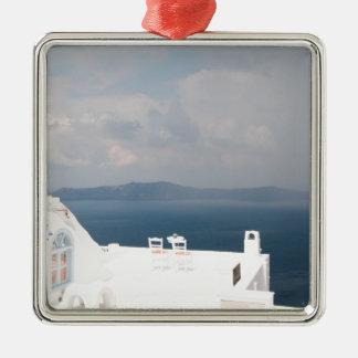 Deux chaises sur l'île de Santorini Ornement Carré Argenté