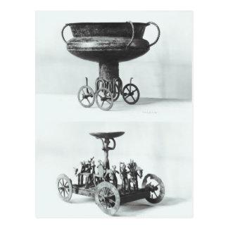 Deux chars votifs pour rassembler l'eau de pluie carte postale