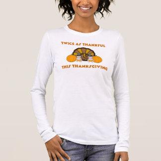 Deux fois aussi reconnaissant ce thanksgiving t-shirt à manches longues