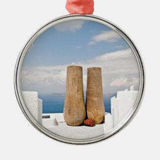 Deux grands pots sur l'île de Santorini Ornement Rond Argenté