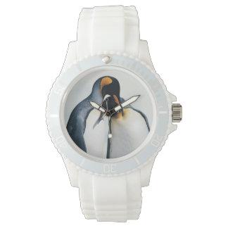 Deux pingouins affectueux montres cadran