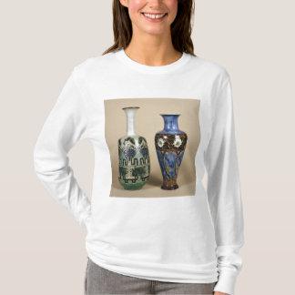 Deux vases à Doulton par Eliza Simmance, c.1880 T-shirt