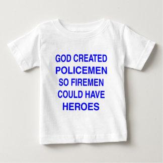 Dieu a créé des policiers t-shirt pour bébé
