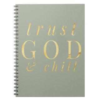 Dieu de confiance et carnet de religion de froid