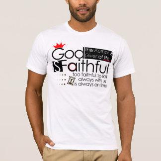 Dieu est (mâle/femelle) T-shirt fidèle