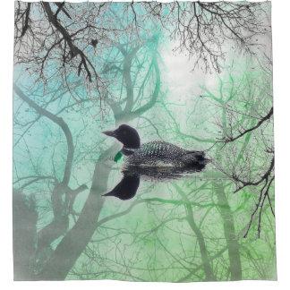 Dingue vert blanc noir sur un rideau en douche de