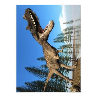 Dinosaure de Ceratosaurus au rivage Carton D'invitation 13,97 Cm X 19,05 Cm