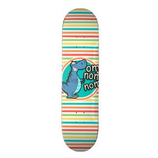 Dinosaure drôle Rayures lumineuses d arc-en-ciel Skateboards Cutomisables