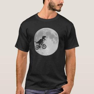 Dinosaure sur un vélo en ciel avec la lune t-shirt