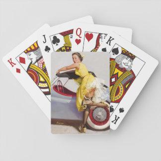 Dissimulez la rétro fille de pin-up jeu de cartes