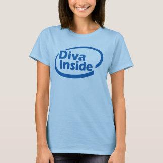 Diva à l'intérieur de T-shirt