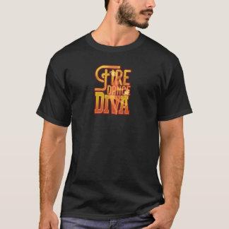 Diva de danse du feu d'effort au T-shirt de pièce