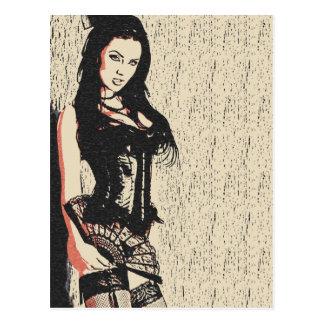 Diva parfaite de brune dans la lingerie de carte postale