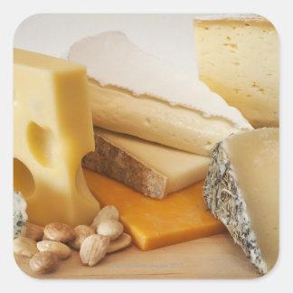 Divers fromages sur le hachoir sticker carré