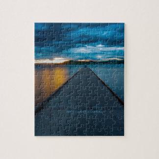 Dock à tête plate de bateau de lac puzzle