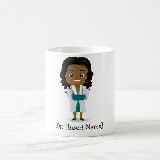 Docteur foncé mignon personnalisé de femelle de mug