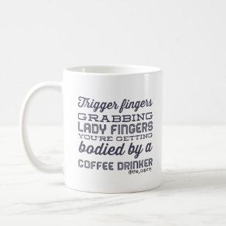 """""""Doigts de déclencheur… """" Mug"""