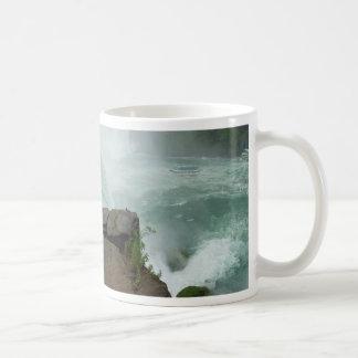 Domestique de chutes du Niagara de la tasse de