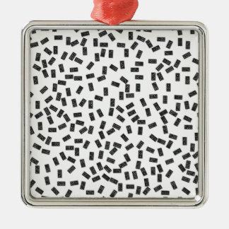 Dominos sur le blanc ornement carré argenté