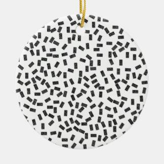 Dominos sur le blanc ornement rond en céramique