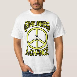 Donnez à des abeilles une occasion t-shirts