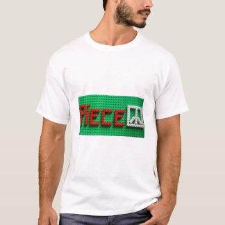 : Donnez à morceau un T-shirt de blanc d'occasion
