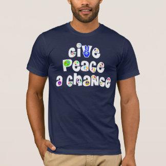 Donnez à paix un T-shirt d'occasion