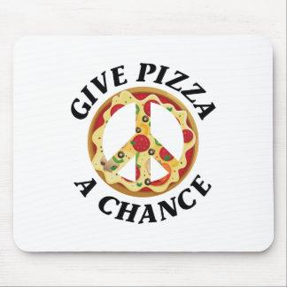 Donnez à pizza une occasion tapis de souris