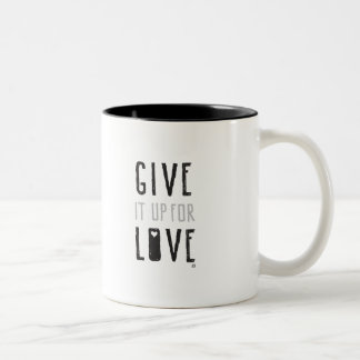 Donnez-le pour l'amour (la tasse) tasse 2 couleurs
