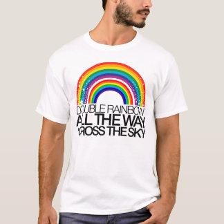 Double T-shirt d'arc-en-ciel