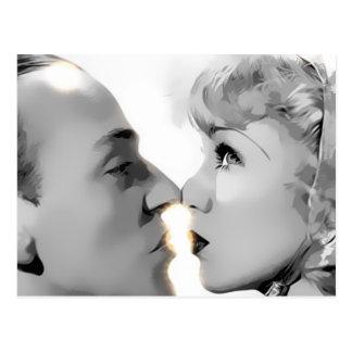 double visage embrassant de côté carte postale