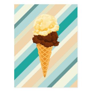 Doubles rayures de Teal de cornet de crème glacée Carte Postale