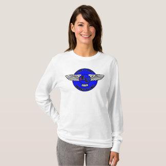 Douille de lutte de femme de lac est longue t-shirt