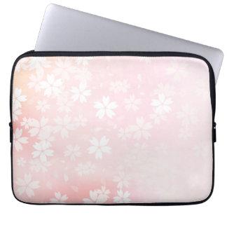 Douille rose/blanche fanée d'ordinateur de fleurs housses ordinateur portable